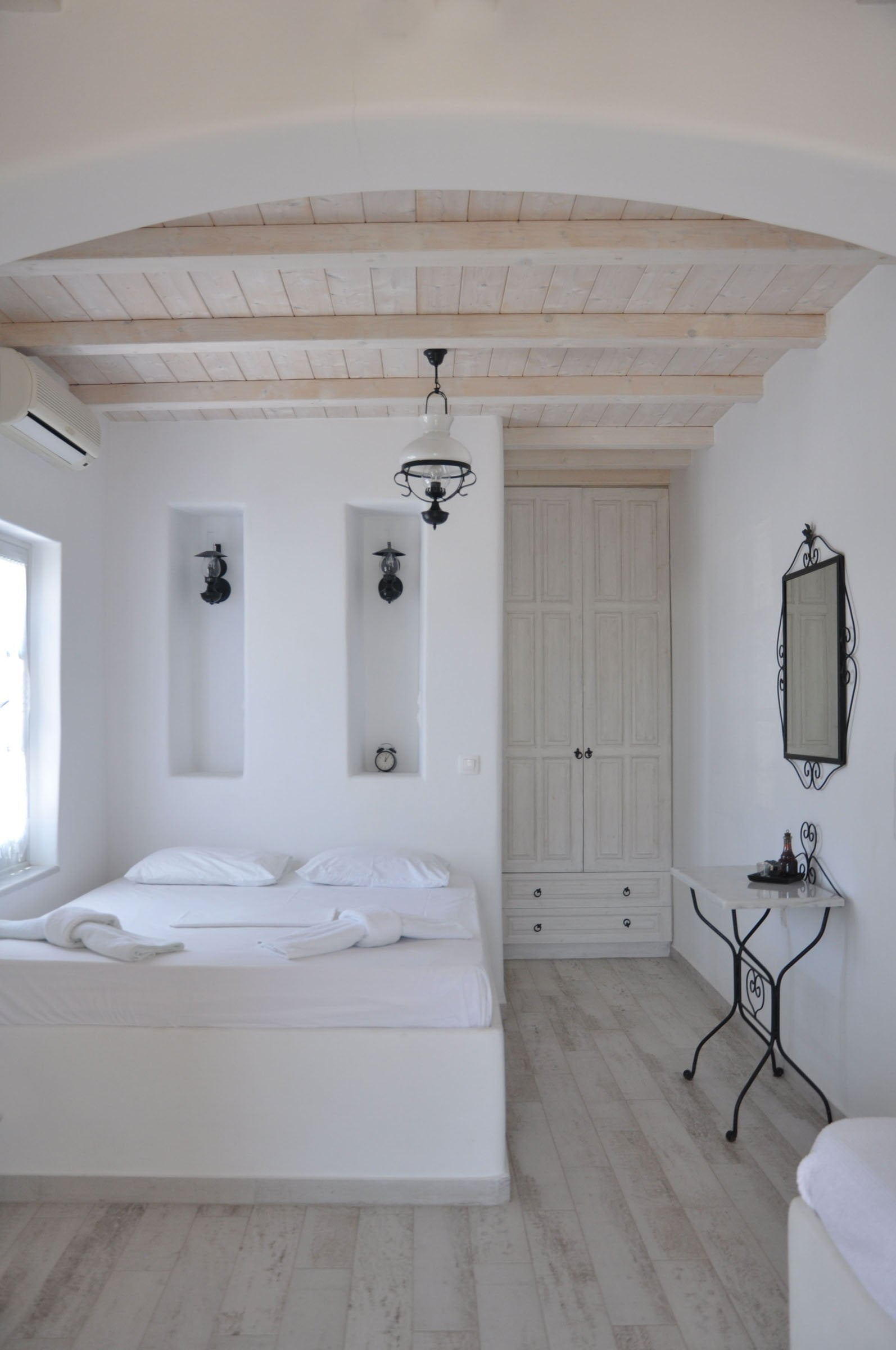Room 1 | Studio 3 persons | First floor
